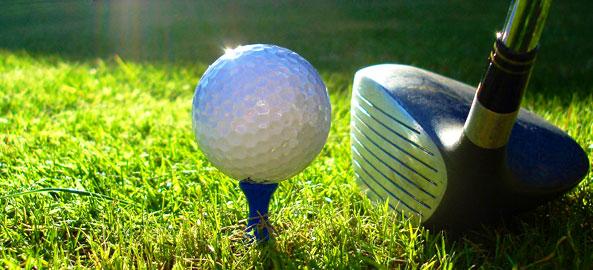 Pola golfowe blisko hoteli w Egipcie